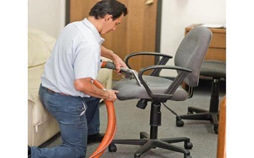 vệ sinh ghế xoay văn phòng